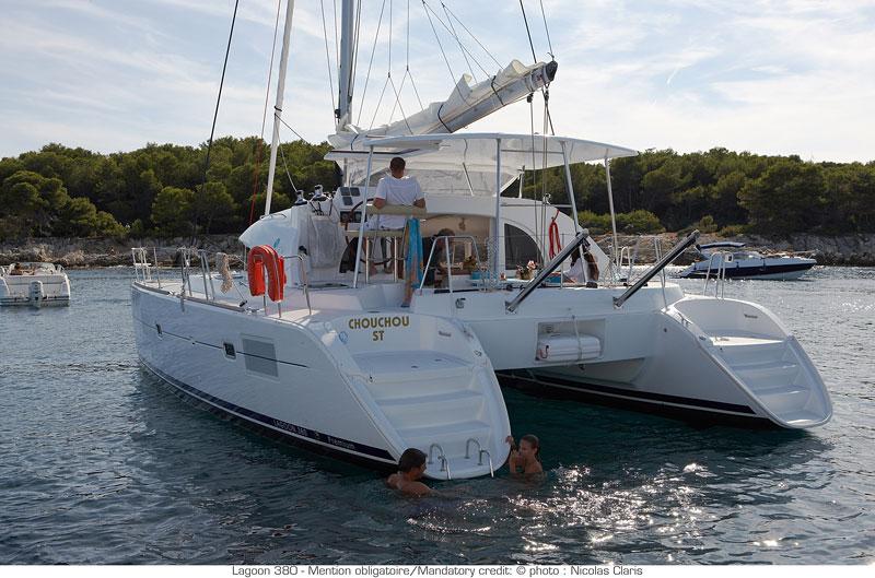 Catamaran Lagoon 380