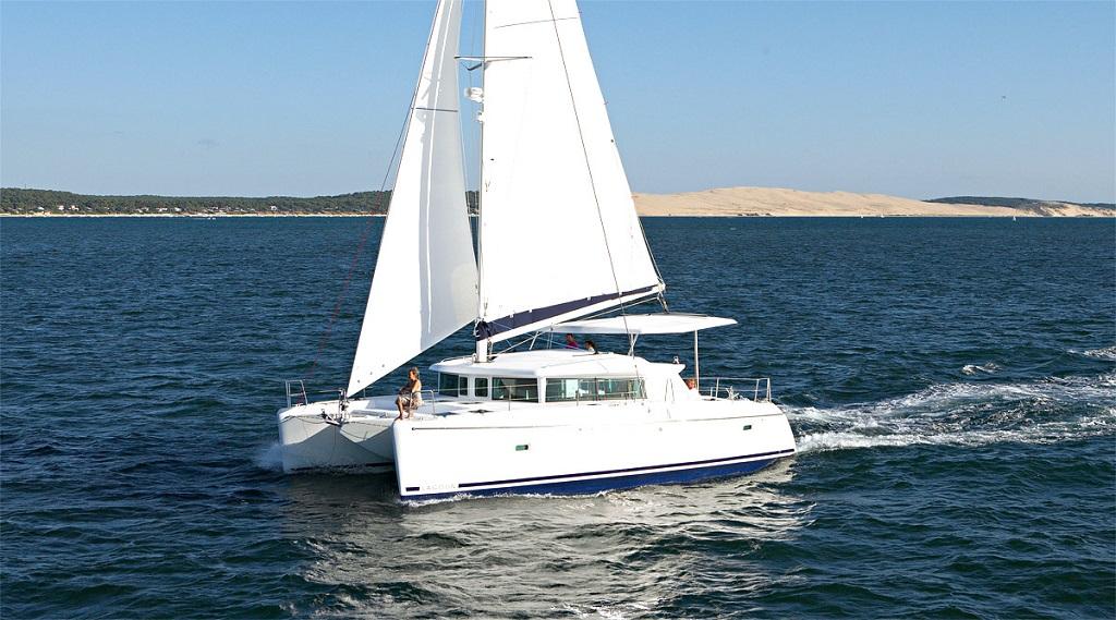 Lagoon 420 - Catamaran for Charter in Greece