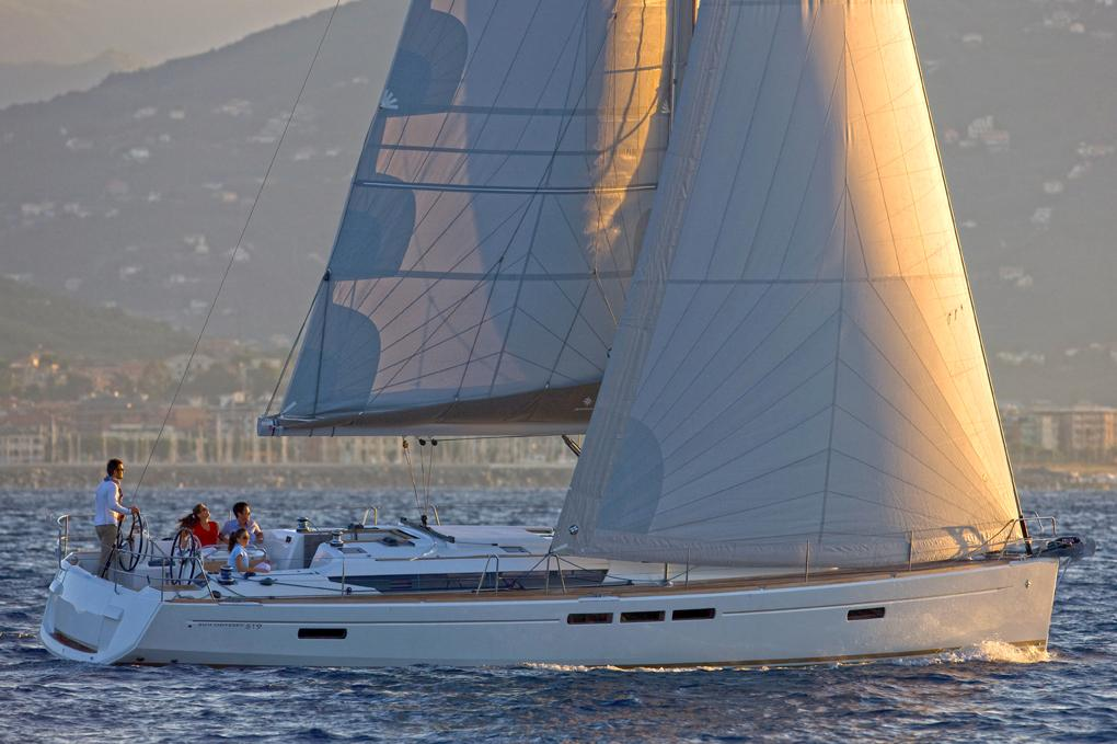 AMFITHOE - Sailing Yacht for Charter in Greece