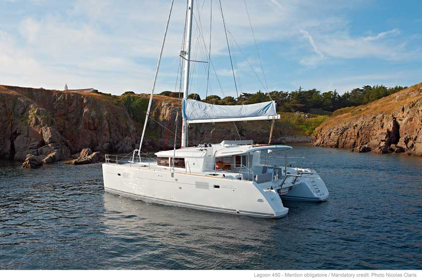Lagoon 450 Fly Class - Catamaran for Charter in Greece