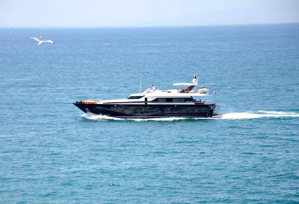 Akhir 27 - Motor Yacht for Charter in Greece
